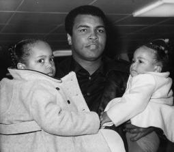 Campeão mundial de boxe Muhammad Ali (Quadro 13)