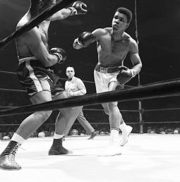 Campeão mundial de boxe Muhammad Ali (Quadro 7)