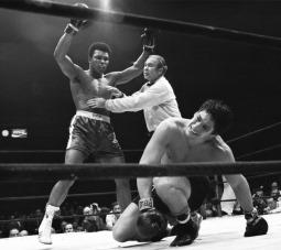 Campeão mundial de boxe Muhammad Ali (Quadro 14)