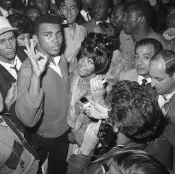 Campeão mundial de boxe Muhammad Ali (Quadro 2)