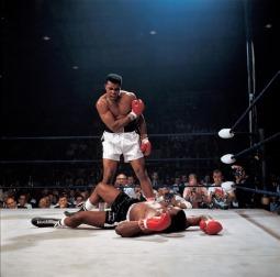 Campeão mundial de boxe Muhammad Ali (Quadro 16)