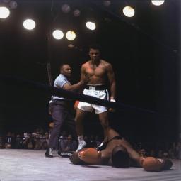 Campeão mundial de boxe Muhammad Ali (Quadro 11)